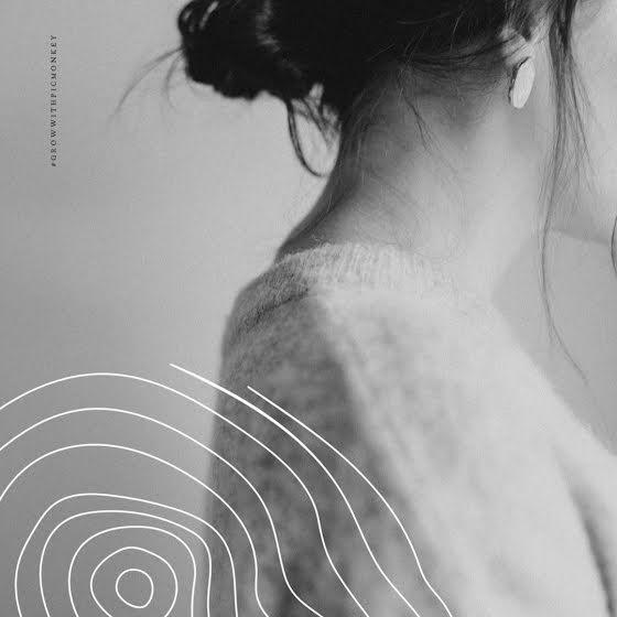 Monoline Sweater - Instagram Post Template