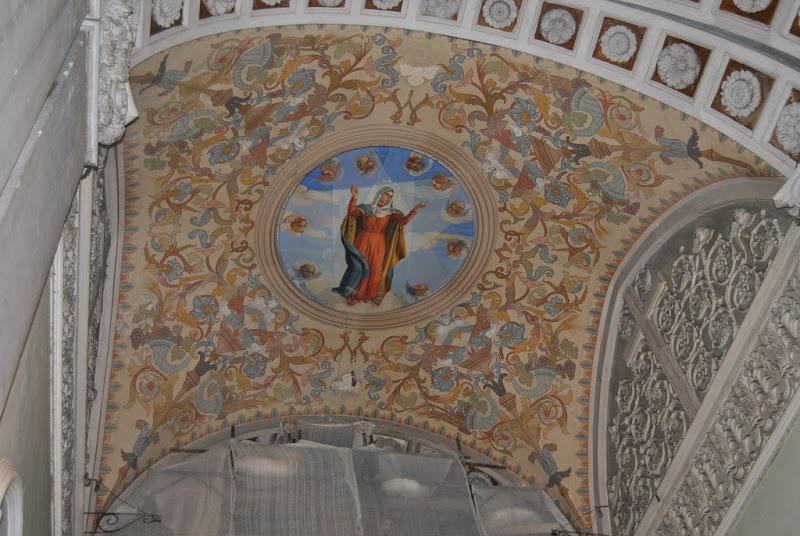 La Madonna al centro di Pretoriano