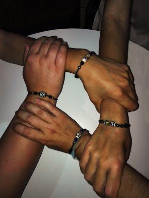 Tutte per una, una per tutte. di mony29