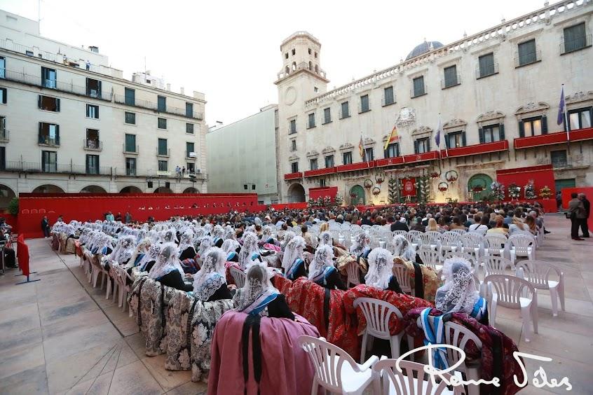 Isabel Bartual Fernández, proclamada bellesa del foc d'Alacant 2019