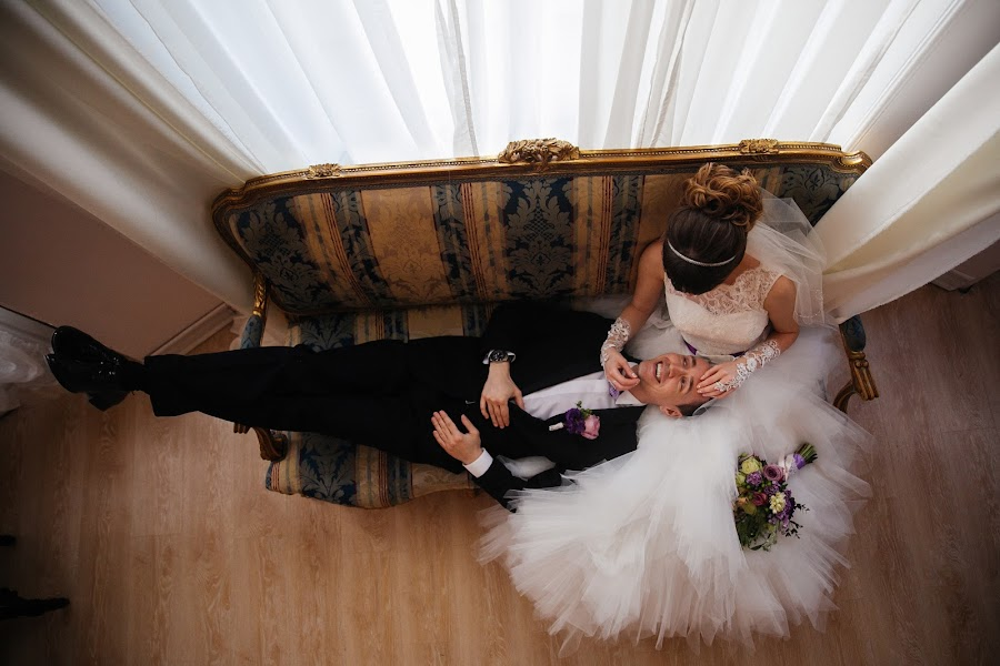 Wedding photographer Denis Persenen (krugozor). Photo of 29.04.2015