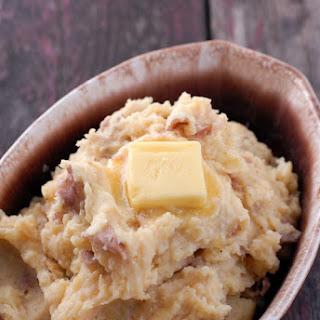 Roasted Garlic Buttermilk Smashed Potatoes