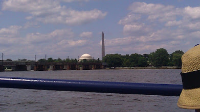 Photo: Jefferson Memorial from the Potomac River