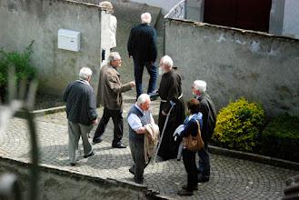 Photo: 111 - Vorbei an einem der Hausherren des Klosters