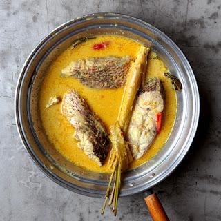 Gulai Masin Kepala Ikan (Padang-Style Red Snapper Curry).
