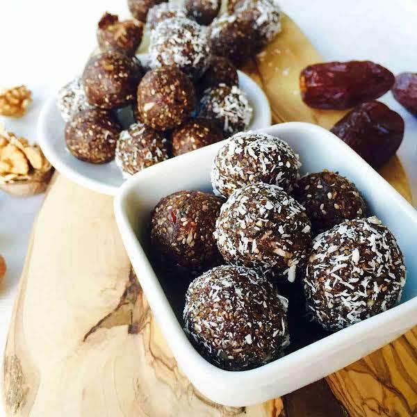 Gluten-free Date And Walnut Snack Recipe