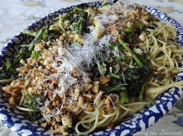 Broccoli Rabe With Fresh Bread Crumbs And Spaghett