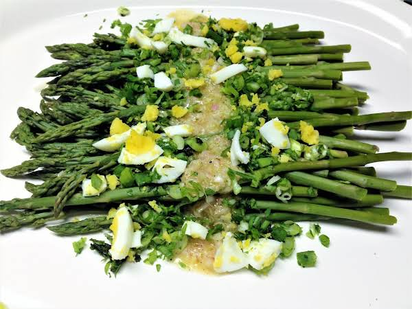 Asparagus With Horseradish Vinaigrette Recipe
