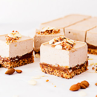 """Roasted Almond & Salted Caramel Easter """"Cheesecake"""""""