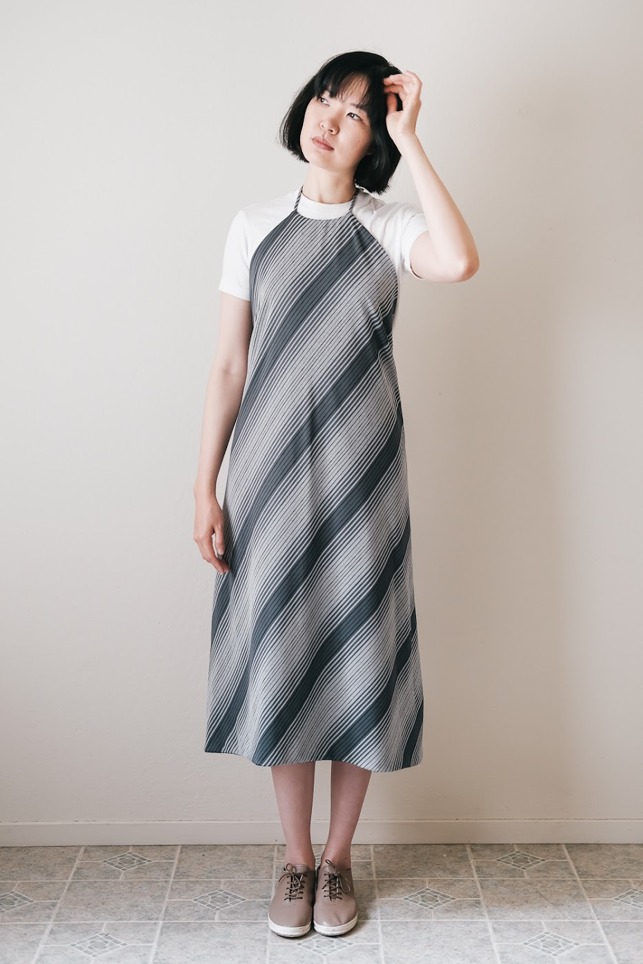 DIY Three-Way Apron Dress - DIY Fashion Garments