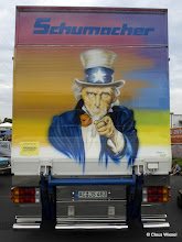 Photo: Schumacher wants you!