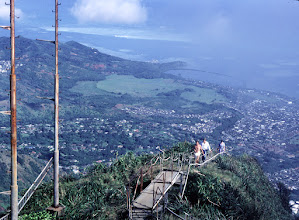 Photo: Haiku Stairs - approaching the summit