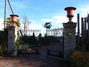 "Photo: Specialiai mums atsidaro ""Villa Mindoza"" vartai Bezdonyse"