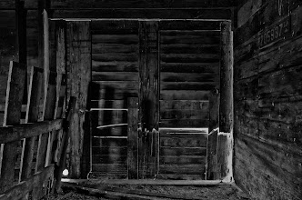 Photo: Barn Door - 1st place - B&W Structures