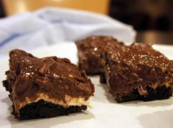 Easy Krispie Marshmallow Brownie Bars_image