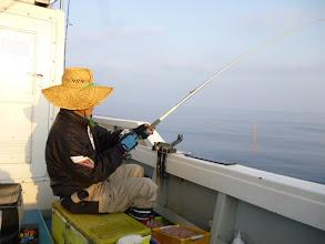 Photo: 本当によく釣ります。 井上さんです。