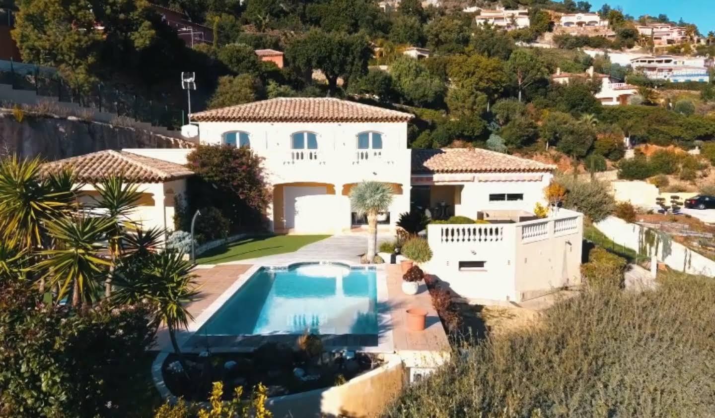 Propriété avec piscine et jardin Var