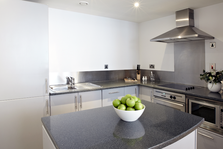 Fully equipped kitchen at 196 Bishopsgate