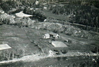 """Photo: """"Oynaa"""" is the Osmundsen family farm since the early 19th century. It is located in a bend of the river in Østereim, Sauda, Norway. http://artandersonmd.com/My_Norwegian_Ancestry/page6.html"""