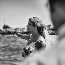 Wedding photographer Miroslava Velikova (studioMirela). Photo of 21.10.2018
