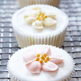Floral Iced Individual Cakes.