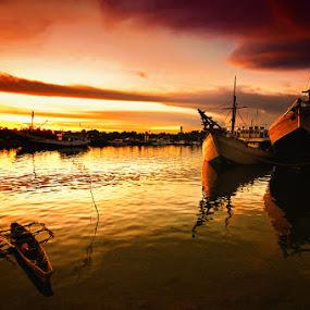 Tanjung laut harbour by Taufiqurakhman Ab - Transportation Boats