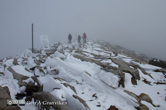 Photo: On the way down from the peak of Dovrefjell's highest mountain, Snøhetta. The higher parts are engulfed in a cloud this day.