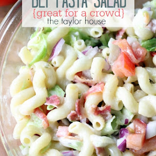 BLT Pasta Salad {Perfect for a Crowd}