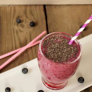 """Chia, Bluberry & Green Tea Smoothie"""