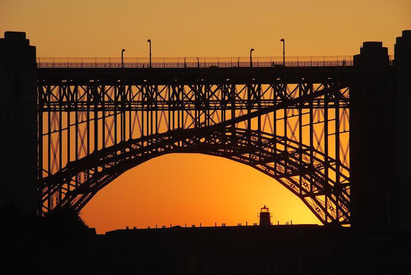 Golden gate at the golden time of sunset di bumbum