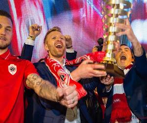 """Antwerp gaat verder zonder """"levende legende"""" Wim De Decker: """"Ik heb het gevoel dat dit geen definitief afscheid is"""""""