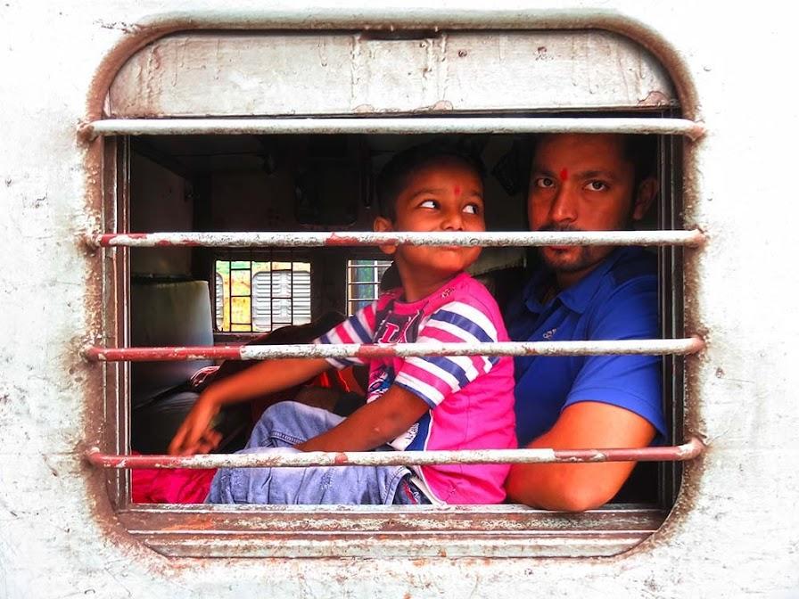 Andar nos COMBOIOS NA ÍNDIA, um guia para explorar a Índia a bordo do comboio e com Indrail Pass