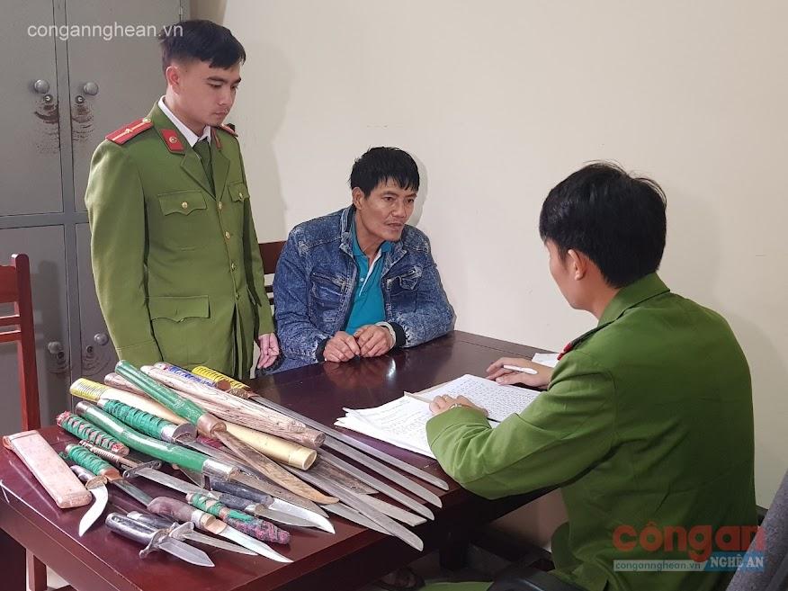 Cơ quan Công an lấy lời khai của đối tượng Trần Văn Hiển