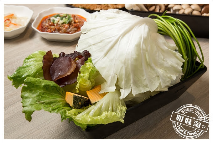 愛食鍋麻辣鴛鴦豪蔬菜拼盤