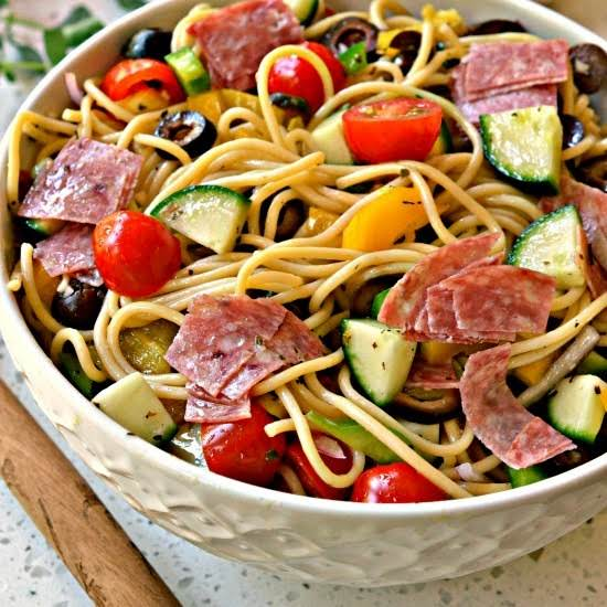 This Easy Spaghetti Pasta Salad Is Made With Fresh Garden Veggies And Homemade Dressing.  It Is Prefect For  Potlucks, Family Reunions, Pool Parties And Neighborhood Shindigs.
