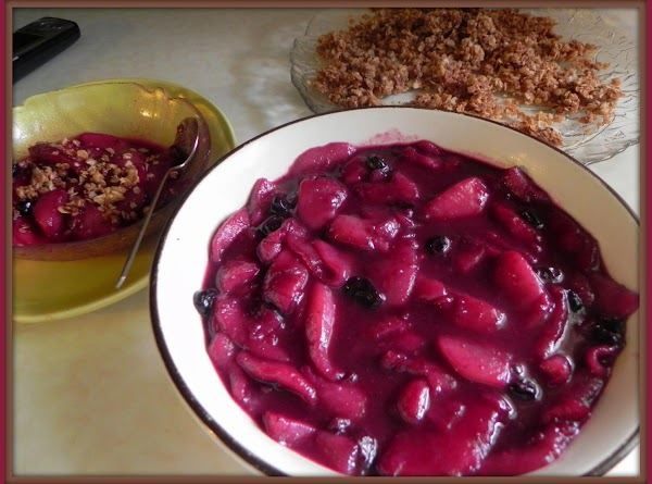 Remove the pear/blueberry mixture to a bowl and serve with the crisp.