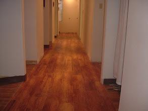 "Photo: Hallway installer 7"" vinyl plank"