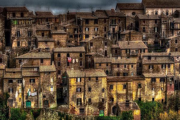 Architettura verticale medievale di Sergio Pandolfini