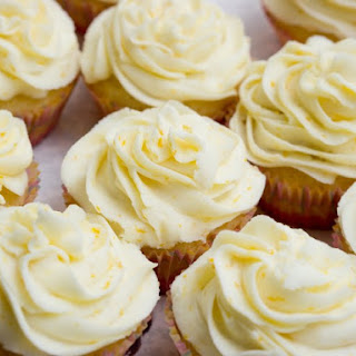 Lemony Strawberry Surprise Cupcakes