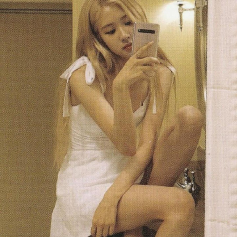 rose mirror 10