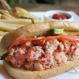 Tommy Bahama's Lobster Roll BLT