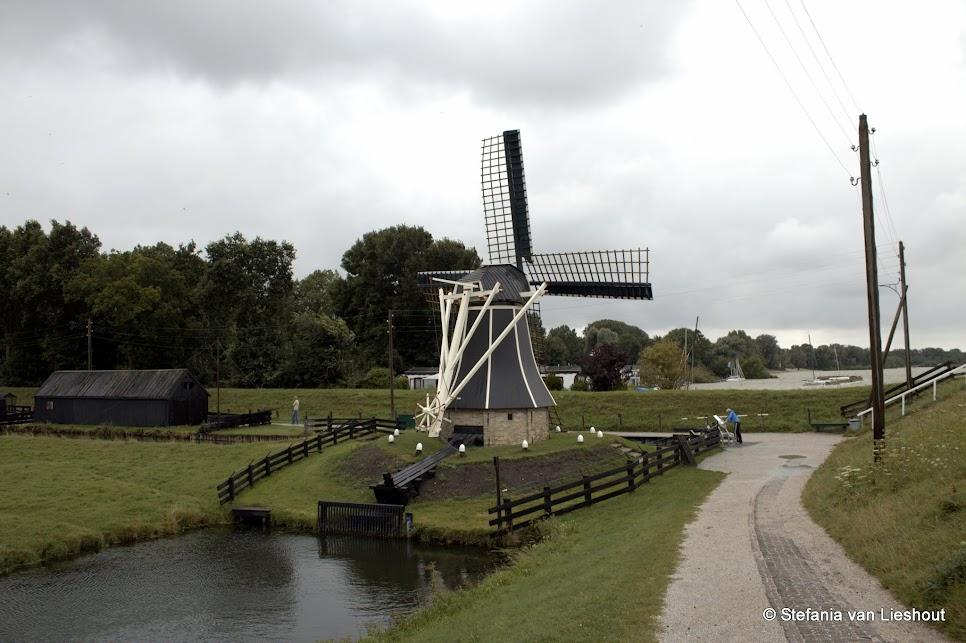 Zuiderzeemuseum Hollands landschap met molen