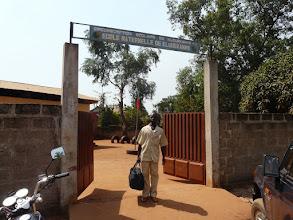 Photo: le lendemain, destination Klouékanmé,  rencontre avec les enseignants et le Maire