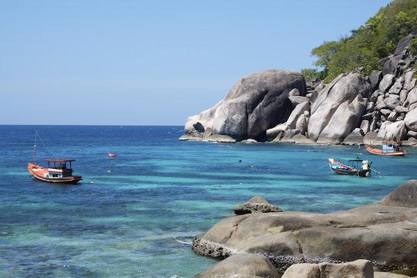 Cruise to hidden bays around Koh Tao