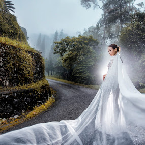 When you know where I am, that when our love connect  by Ken Raven - Wedding Bride ( bridesmaids, wedding photography, wedding gown, prewedding, weddings, wedding, bride and groom, bride )