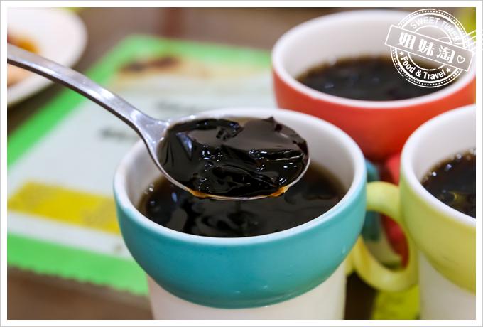 海倫新加坡肉骨茶仙草茶