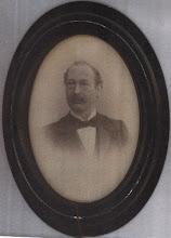 Photo: Mijn overgrootvader Cornelius Dasse Keppel Hesselink, die zich na 1884 alleen nog maar Hesselink noemde. Hij is geboren in Zutphen op 7-12-1852 en overleden in Arnhem op 24-2-1917. Na 25 huwelijkjaren gescheiden van Egberta Engberts en vervolgens getrouwd met de weduwe Anna Jacoba van Eijk.