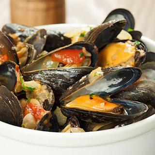 Steamed Mussels Italian-Style