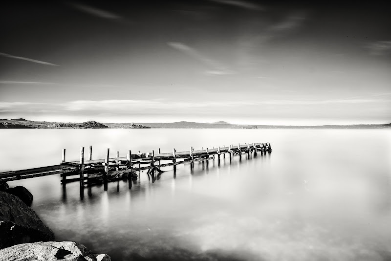 Lake alone  di Daniele Donati