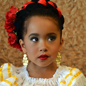 Folklorico performance by Alicia Lara - Babies & Children Child Portraits